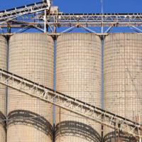 建材行业:水泥行情望保持高位 石油供给减少价格回升