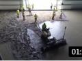 国外抹水泥地面的机械运作,高效设备施工的水泥地面太平整了 (203播放)
